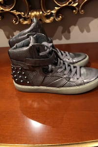 Ash size 40 (9) high tops Toronto, M9P 1W8