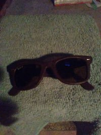 Ray Bans  very rare brown leather finish,polarized Vancouver, V6P 3Y1