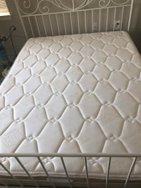 queen white metal bed with queen excellent condition queen mattress Arlington, 22201