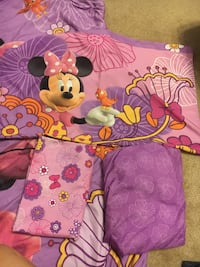 Crib sheet with fitted sheet bedspread and matching pillow case Westerville, 43081