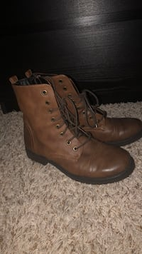 pair of brown leather boots Renton, 98058