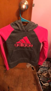 black and red Adidas pullover hoodie Livonia, 48152