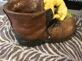 Selling a super cute boot puppy planter