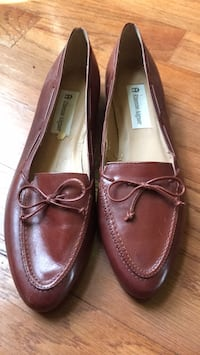 Pair of brown leather loafers size 8 1/2 Etienne Aigner Laurel, 20707