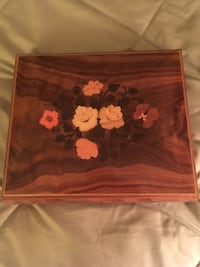 Jewelry box with key Gaithersburg, 20878