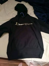 Champion sweater size small female Markham, L6E 1G8
