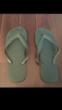 Ladies Havaianas Flip Flops size 39-40 (Used Once)