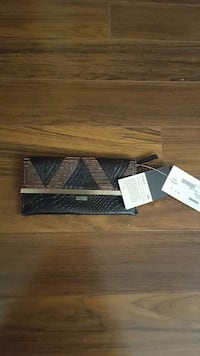 women's gray and black clutch purse 2865 km
