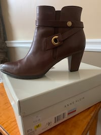 Anne Klein Leather boots.Brand new. Size 8 1/2 ( not for wide feet)