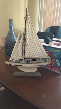 white sailboat scale model 2171 mi
