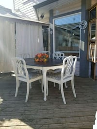 French country style table and chairs Surrey, V3S 4M2