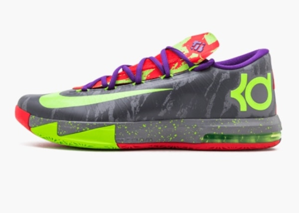 7c652a0a37e9 Used unpaired multicolored Nike KD low-top sneaker for sale in ...
