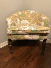 Green and white floral padded club chair Tulsa, 74134