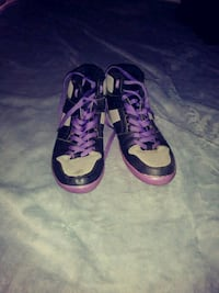 pair of purple-and-black Nike basketball shoes Canton, 44707