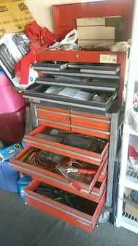 Tools and chest for automotive engines