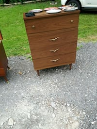 brown wooden 4-drawer chest Woodstock, N4S 3M4