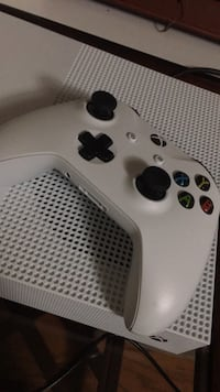 Xbox One S controller Leesburg, 20176
