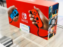 *Brand New* Nintendo switch now available only $280 cash!