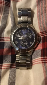 round silver-colored chronograph watch with link bracelet Windsor, N8R 2E6