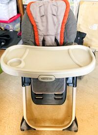 baby's gray and white Graco high chair Ashburn, 20147
