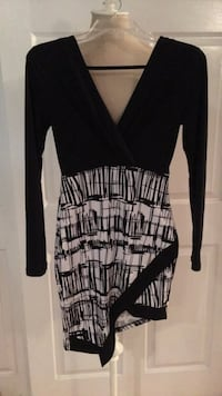 EUC CHICO Stretch polyester dress size SMALL Northport, 11768
