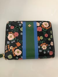 TORY BURCH travel size wallet