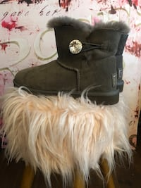 Ugg's Authentic Bailey Button Bling Boot Lincoln, 68516
