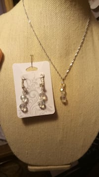 Crystal Necklace and Earring Set  Minneapolis, 55401