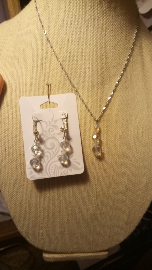 Crystal Necklace and Earring Set  a12de5fa-e239-4f41-9483-ee79f5b2648d
