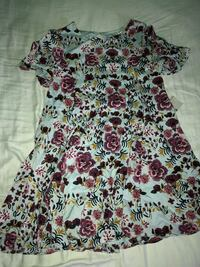 white and multicolored floral scoop-neck shirt Gainesville, 30507