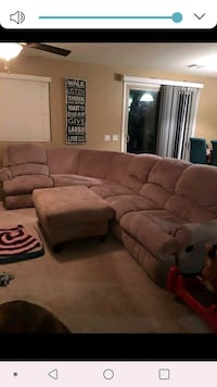 Beautiful sectional with recliners 1926 mi
