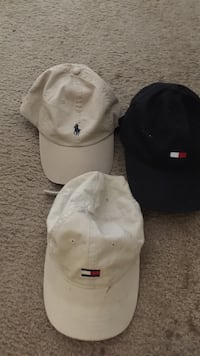 three assorted-color fitted caps Temple, 76504