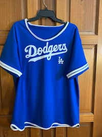 Woman's dodgers shirts Whittier, 90606