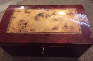 Humidor With Extras