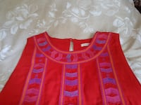 red and blue scoop-neck shirt MISSISSAUGA