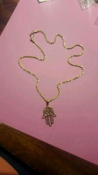 gold chain necklace with cross pendant Houston, 77063