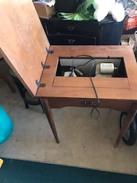 Antique sewing machine, needs work, doesnt work Cohoes, 12047