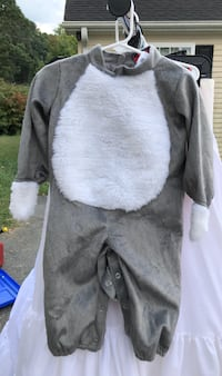 ##    InCharacter Gray Bunny Costume Size S = 6-12 Months
