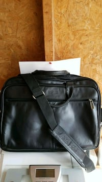 Kenneth Cole Reation Bag Toronto, M5V 3V6