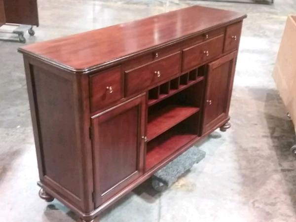 Used but looks new ....  Bernhardt  buffet