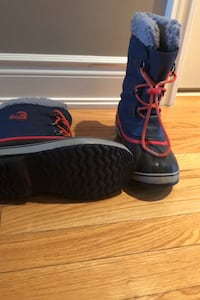 Sorel boys winter boots Oakville, L6L 6V5