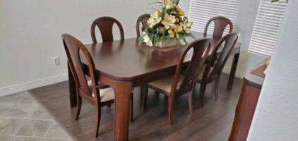 Dining Room Set - Table, 6 Chairs, and Hutch.