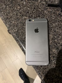 Space gray iphone 6 with case 64g Toronto, M2K