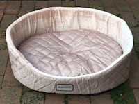 Armakat Luxurious Dog/Cat Bed W/Removable Bedding Washington