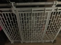 Baby gate or pet gate  Chester, 10918
