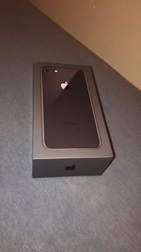 Brand new iPhone 8 comes with everything! Toronto, M2J 1J9
