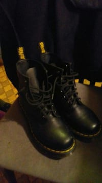 Airwait Boots Brand New