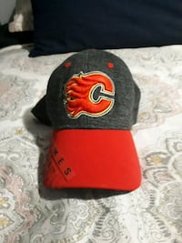 black and red Chicago Bulls cap Calgary, T3B 0N3
