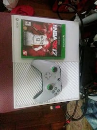 Xbox One console with controller and game case Los Angeles, 90023