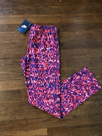 Nike exercise pants leggings  XL NWT  *cleaning closets OBO